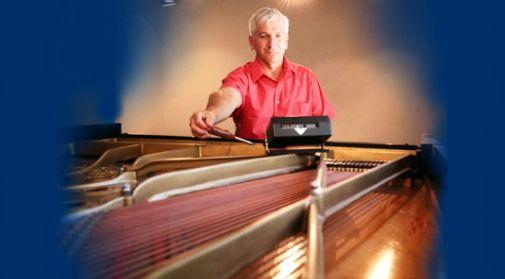 piano-tuning-master-530-.jpg