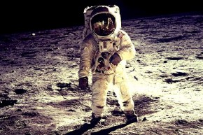 RT @Wilson: 10:56pm - July 20, 1969, millions on earth  watched Neil Armstrong become the first huma...