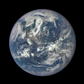 RT @TIME.com: NASA releases new image of Earth http://t.co/wdIeQg6rL2 http://t.co/ME38EA6ffE