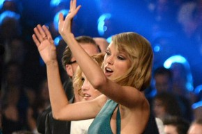 RT @VanityFair: Are you guilty of this classic @TaylorSwift13 dance move? http://t.co/SjCruc7DtN htt...