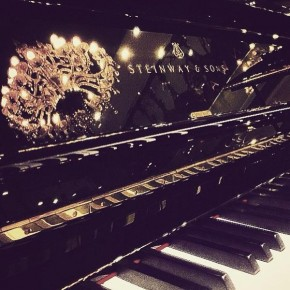 RT @SteinwayAndSons: Did you know we're on Instagram? Follow us & share your piano pics with...