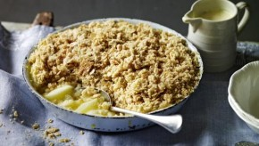 RT @BBCFood: We are celebrating #autumnalequinox with @NigelSlater's delicious apple crumble: http:/...