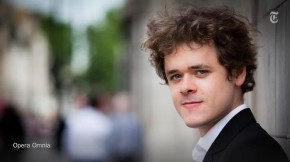 RT @nytimesarts: Benjamin Grosvenor makes his Carnegie Hall recital debut this month http://t.co/Uk1...