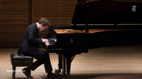 RT @nytimesarts: Review: Benjamin Grosvenor, boy lord of the piano, takes Carnegie Hall http://t.co/...