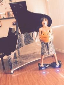 RT @MalachiDBarton: Just finished carving my #jackskellington pumpkin ok my mom helped too @feliciab...