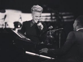 RT @LilouPink_: In sad time like these..It's so good 2 see her smile @Pink ♡♡ #MuchLove from&#x1...