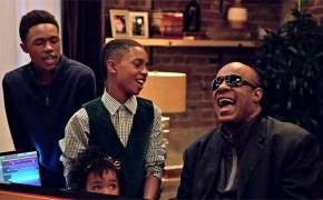 "RT @JazzRadio: https://t.co/F4PaWs94cb  Stevie Wonder et Andra Day reprennent ""Someday At Chris..."