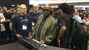 RT DaveSmithInstruments @dsiSequential: Stevie Wonder at the DSI booth! https://t.co/tuYyJYfxjt