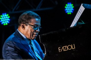 RT Fazioli Pianoforti @Fazioli_Pianos: Happy birthday to the amazing @herbiehancock! #Fazioli https...