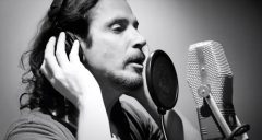 Reloaded twaddle – RT @gruss5times: https://t.co/vgGYAsgwSy Chris Cornell  Black Hole Sun (Acoustic...