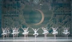 Reloaded twaddle – RT @karolinakuras: Let it snow! @nationalballet's #Nutcracker #ballet #Snowflakes...